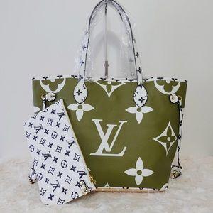 Handbags - Louis Vuitton 13 x 12 x 7